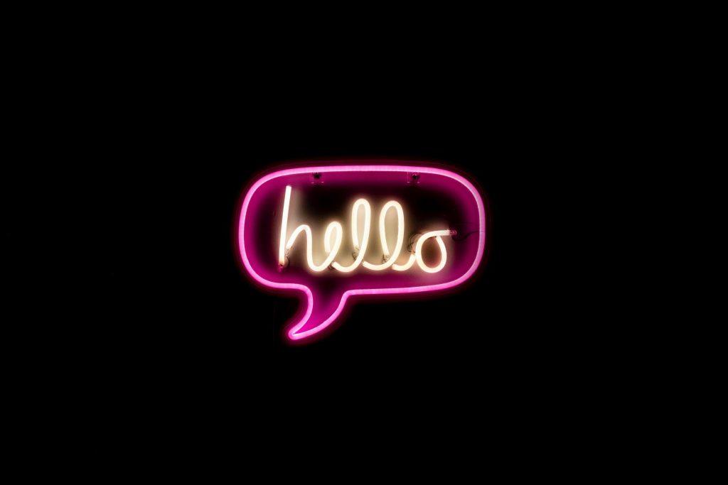 Formas de saludar en inglés. Saludos formales e informales