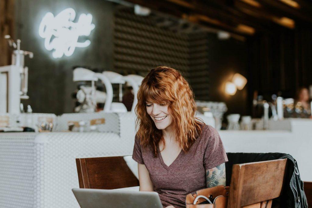 Aprender inglés online o presencial ¿cuál es mejor opción?